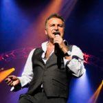 Артиста музыкальной группы Леонида Агутина госпитализировали в больницу со сцены